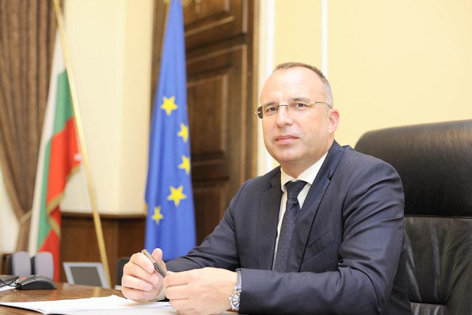 Министър Порожанов: От 18 март стартира прием на заявления по държавната помощ за мини мандрите