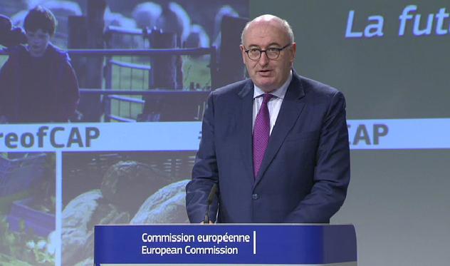Комисарите по земеделие и бюджет обсъждат преходен регламент до старта на новата ОСП